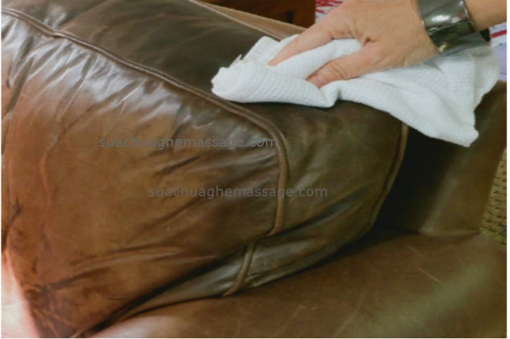 4 cách làm sạch da ghế massage tại nhà