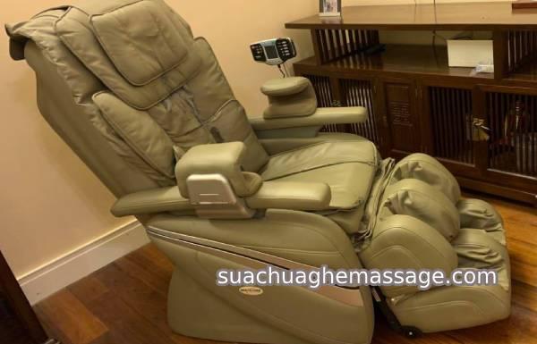 TP HCM khách hàng thay ao da ghế massage giá mắc vì sao