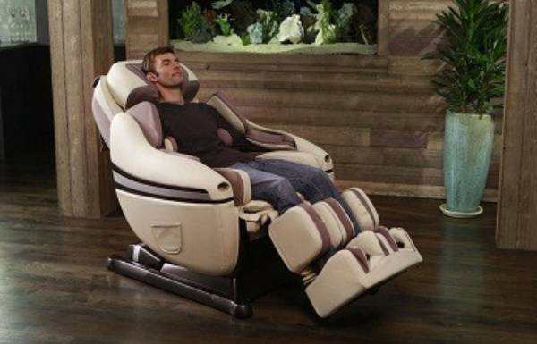 Ghế massage càng nhiều chức năng càng khổ người sử dụng